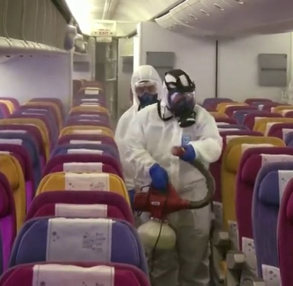 Desinfeccion avion